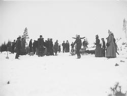 Folk i snö, Riddarhyttan.