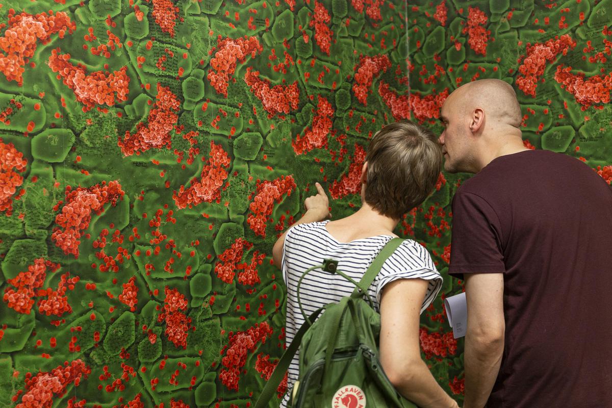Fra åpningen av utstillingen The Micro Challenge. Foto: Nadia Caroline Andersen.