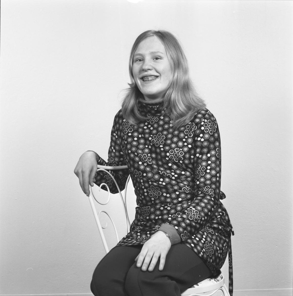 Portrett. Ung kvinne. Bestilt av Jorunn Ommundsen. Sørhaug