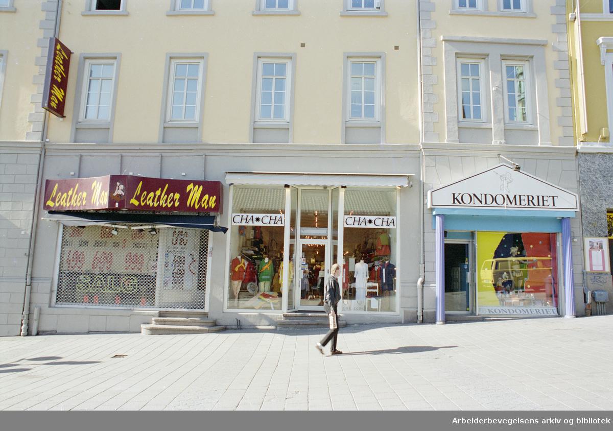 Oslo: Karl Johans gate 8. Tidligere het dette kvartalet Kirkebakken. 9. mai 1996