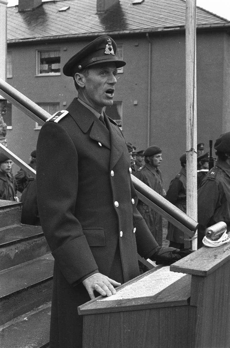 Knut Eigum taler under markeringen av BSINs 75-årsjubileum.