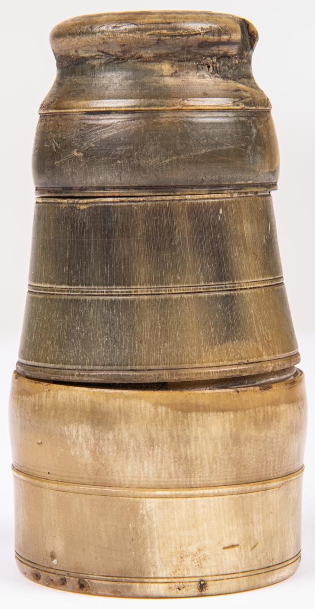 Bläckhorn med sanddosa av horn.
