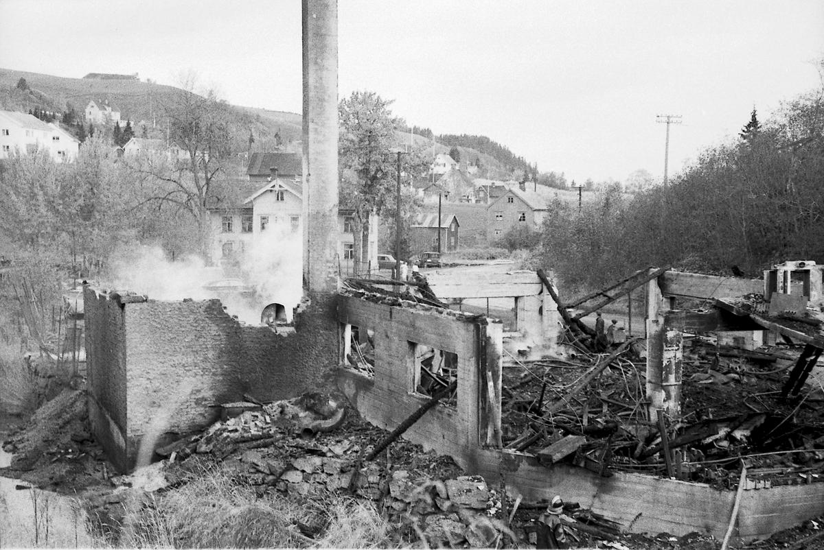 Brann hos Prøven Bilverksted og Trevarefabrikk