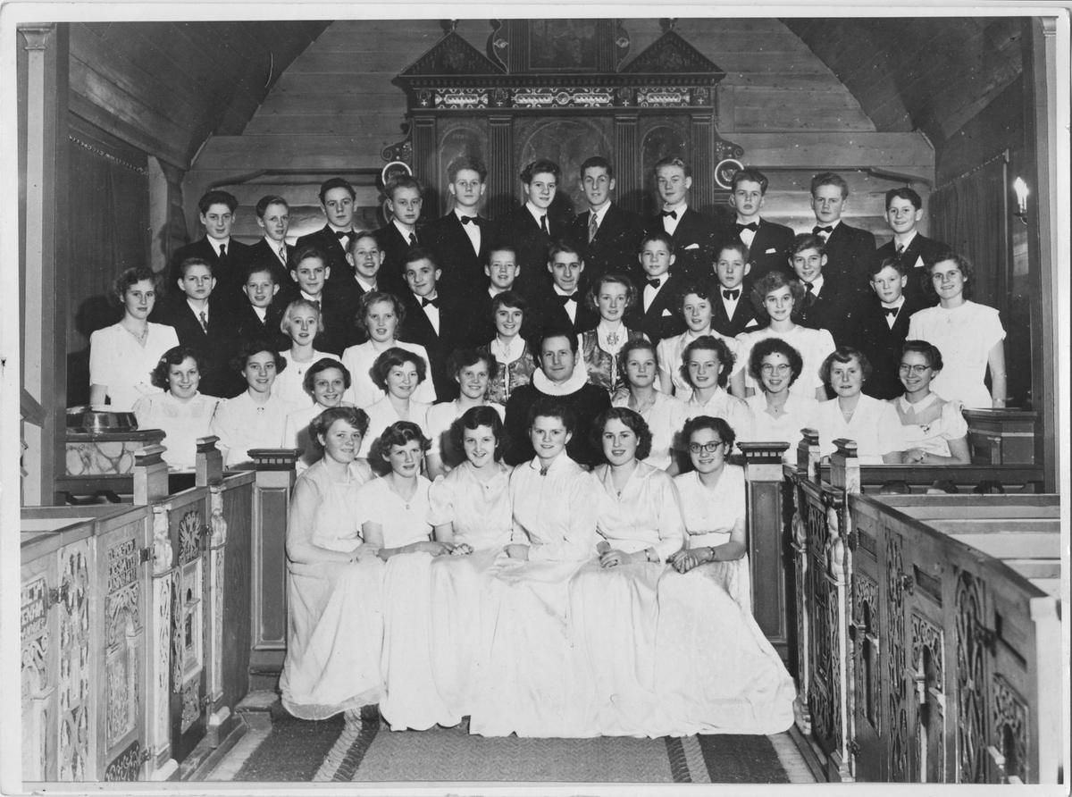 Konfirmanter i Egersund kirke desember 1952