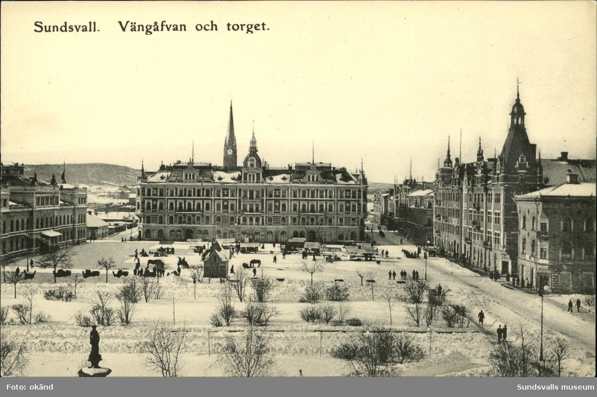 Vykort över Stora torget och Vängåvan i Sundsvall.