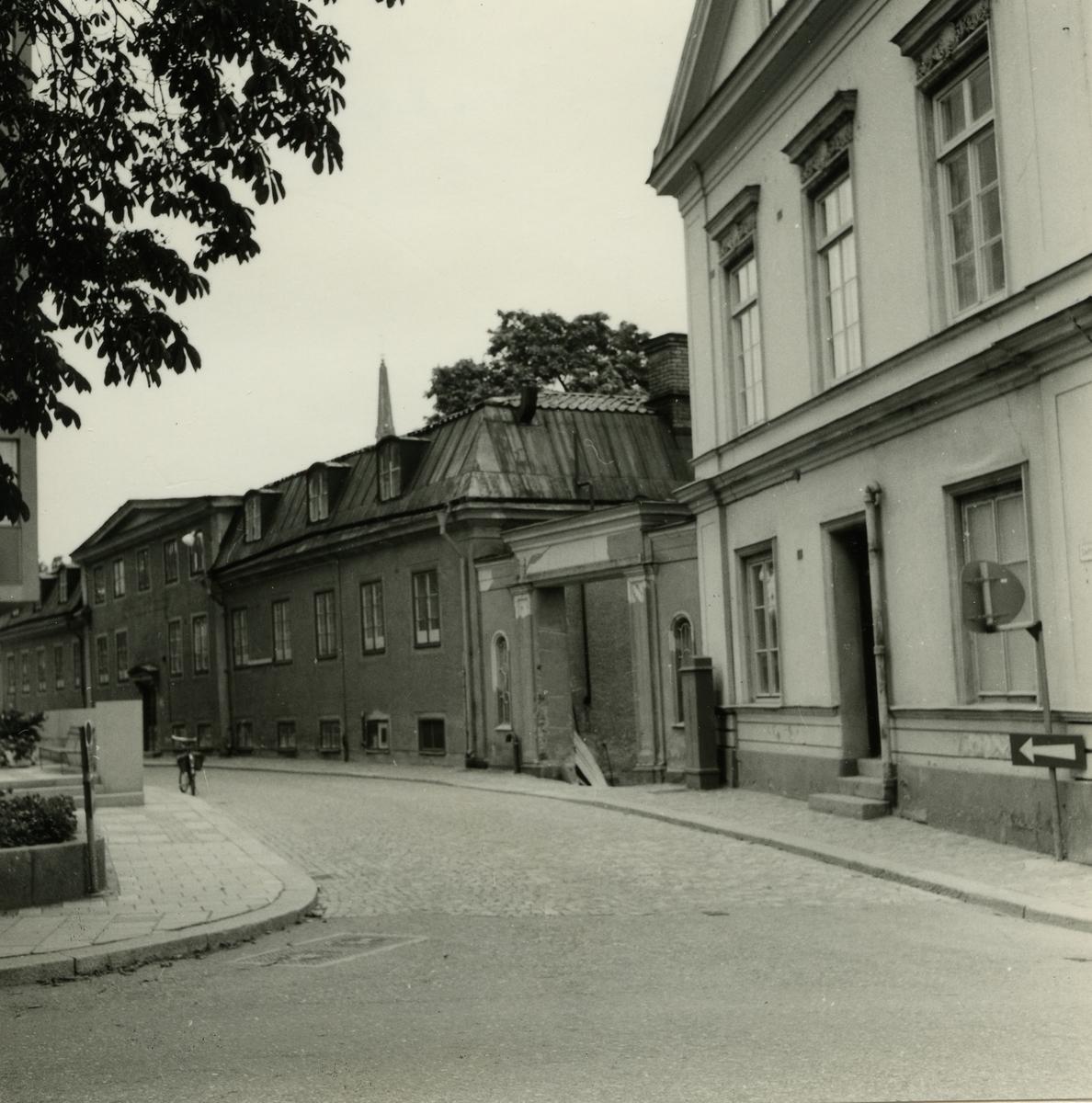 Västerås. Slottsgatan mot norr från korsningen Stora gatan. 1964.