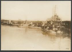 Odessas hamn med örlogsfartyg
