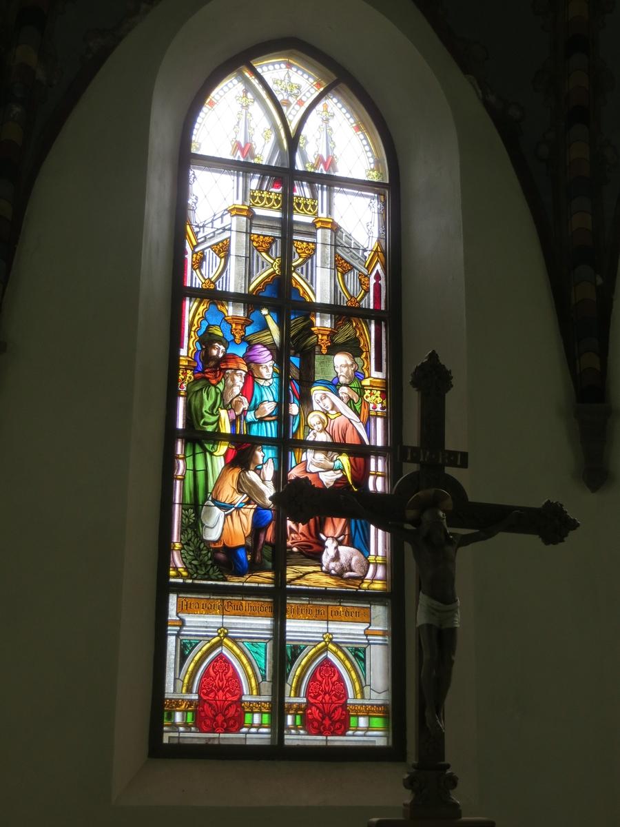 Interiör, glasförnster i Norra Solberga kyrka, Nässjö Kommun.