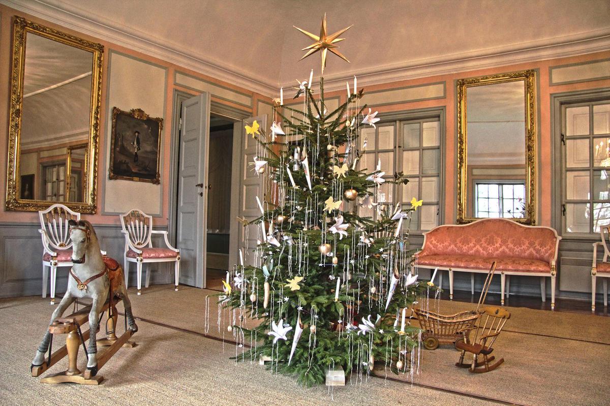 Jul i ballsalen på Rød Herregård i Halden