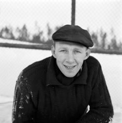 Åke Persson, bandymålvakt i Heffners IF. Reportagebilder för