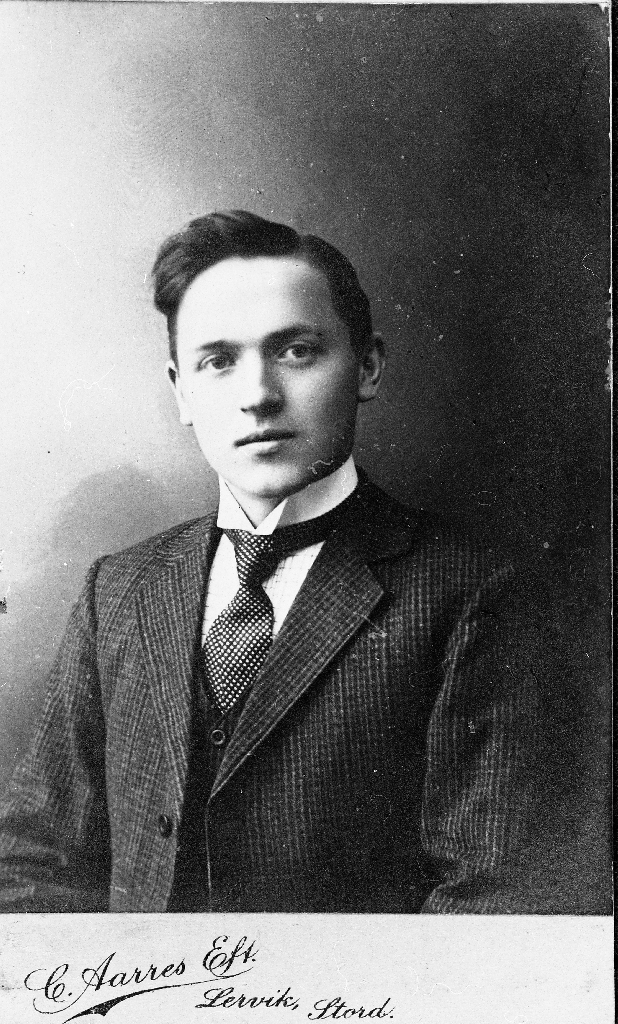Sven Taksdal (23.8.1895 - 20.4.1944). Han var landbruksskulestyrar på Tveit i Nedstrand frå 1943 - 1944.