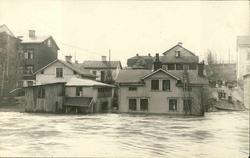 Vykort med motiv av vattennivån i Selångersån vid översvämni