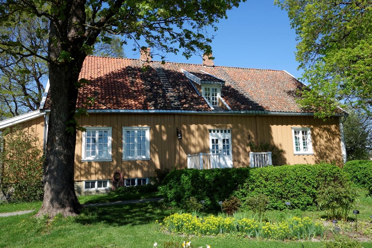 Bolighus gården Store Hvam, fra 1820. Ikke flyttet.