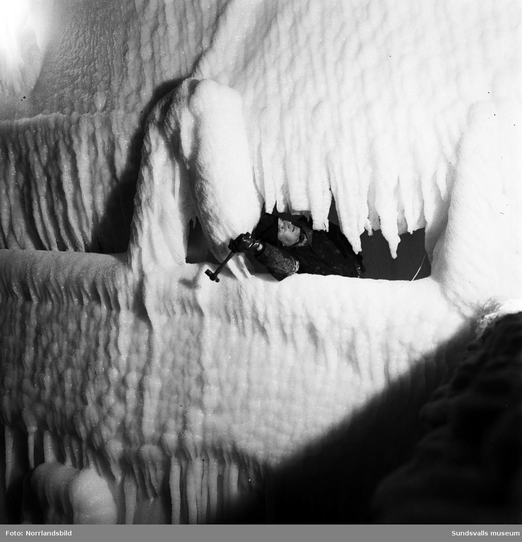 En nedisad tankbåt väntar på varmare väder vid Vindskärsvarv.