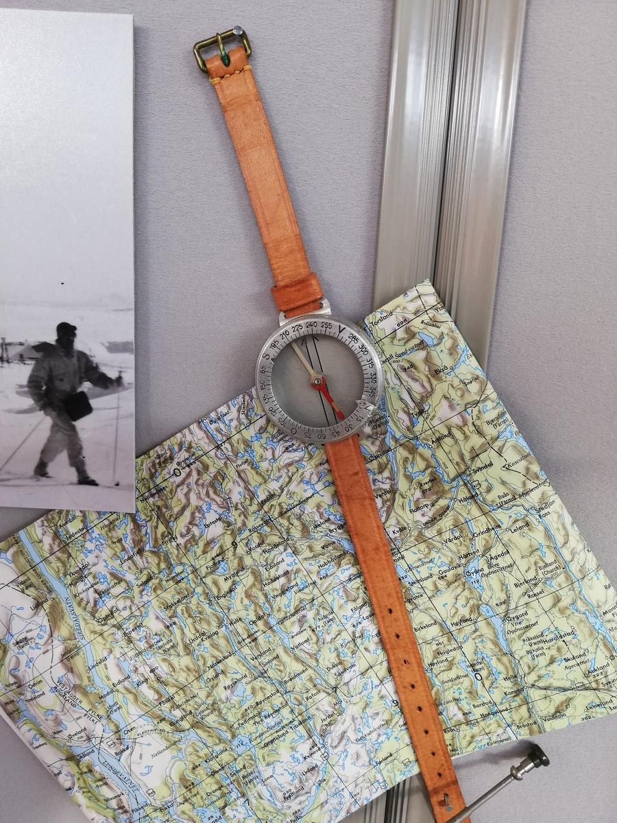 Kompass til å bære rundt håndledd.