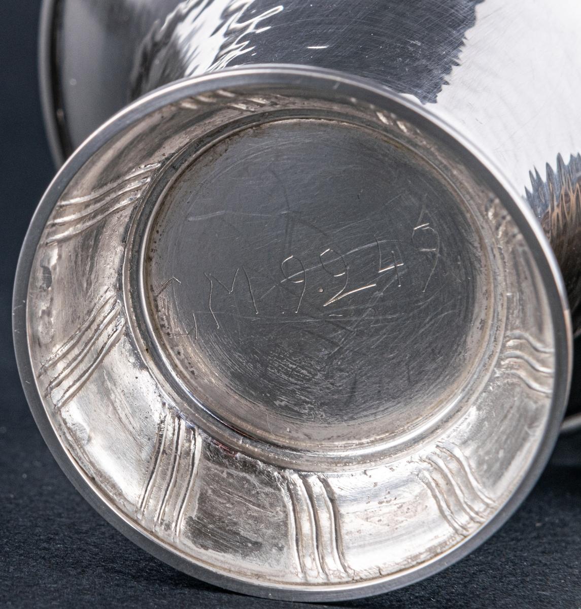 Bägare i silver.