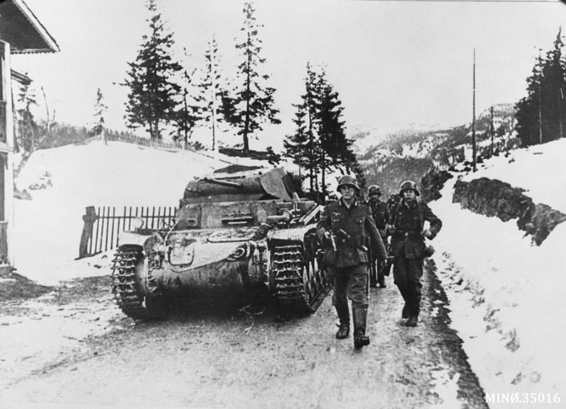 Tyske styrker under framrykning. Foto: Anno Musea i Nordøsterdalen,