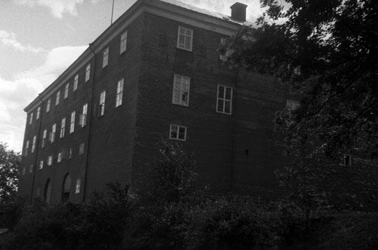 Utvändiga restaurationsarbeten av Västerås slott, utförda av arkitekt Erik Hahr omkring 1930 i Västerås.