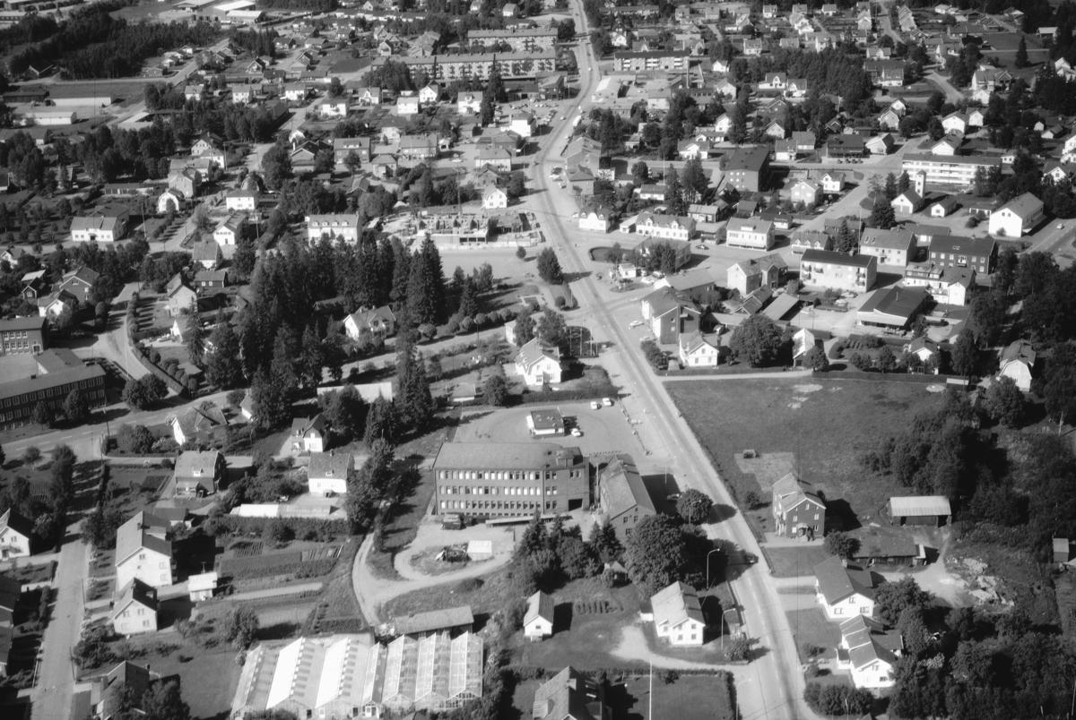 Flygfoto över Smålandstenar i Gislaveds kommun. Jönköpings län 344/1968