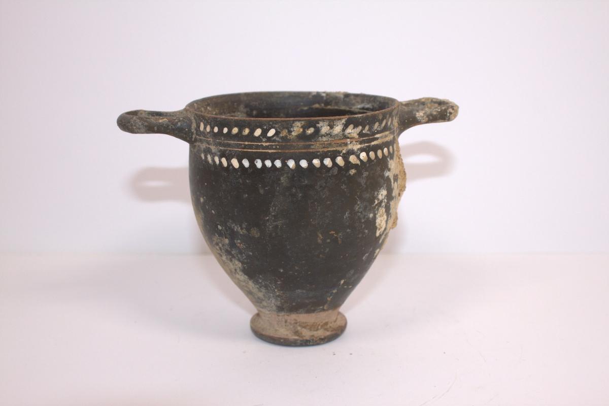 Bolle med hanker i brent leire fra Pompeii