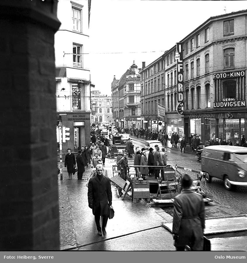 gateløp, mennesker, biler, gravearbeid, forretningsgårder, Østbanestasjonen