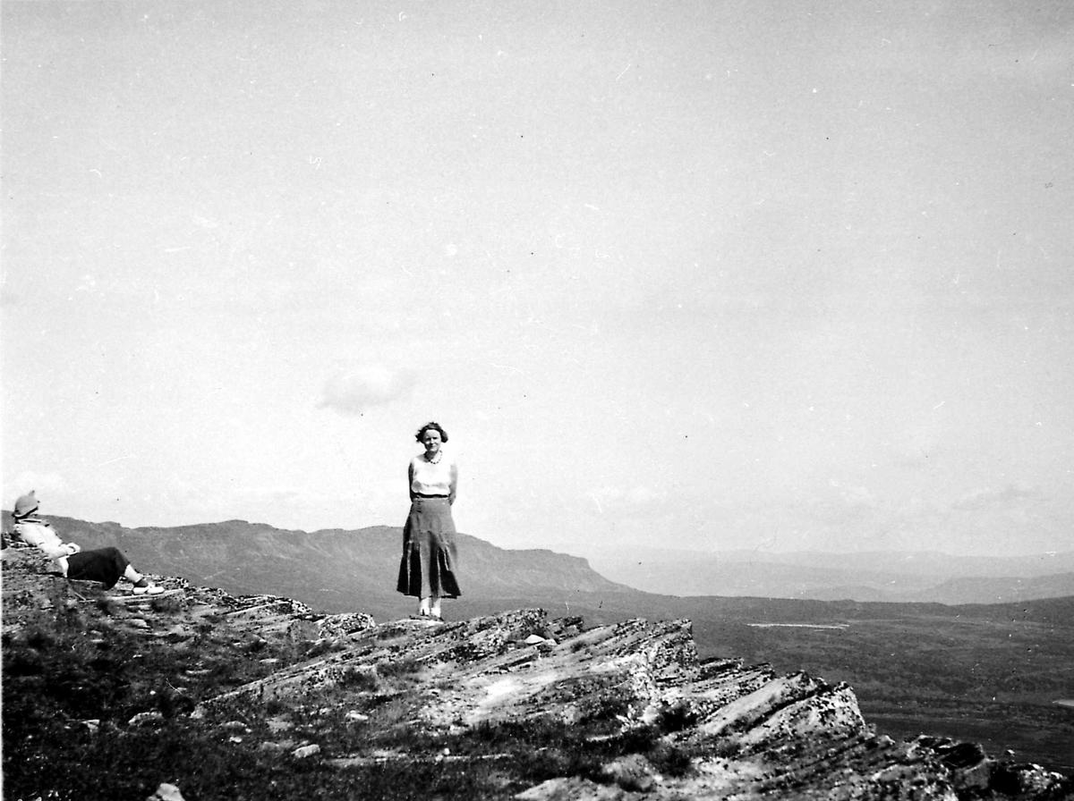Kvinne, fjell,