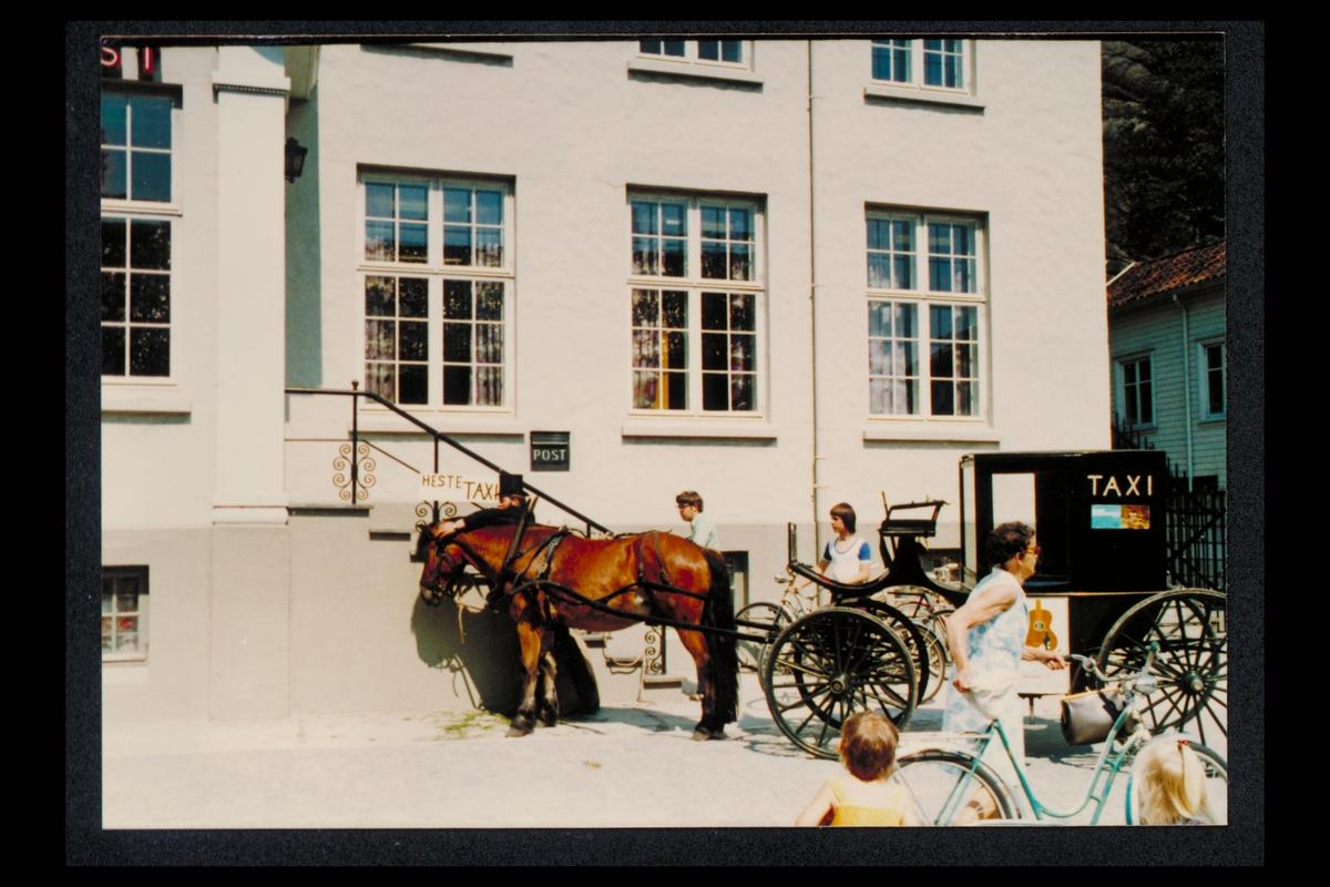eksteriør, postkontor, 4500 Mandal, postskilt, hestetaxi