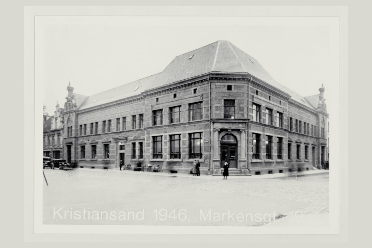 eksteriør, postkontor, 4604 Kristiansand, mennesker
