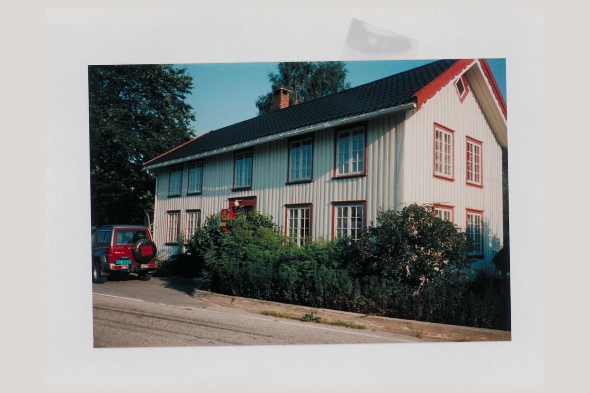 eksteriør, postkontor, 4837 Dølemo, 1996, postskilt, bil