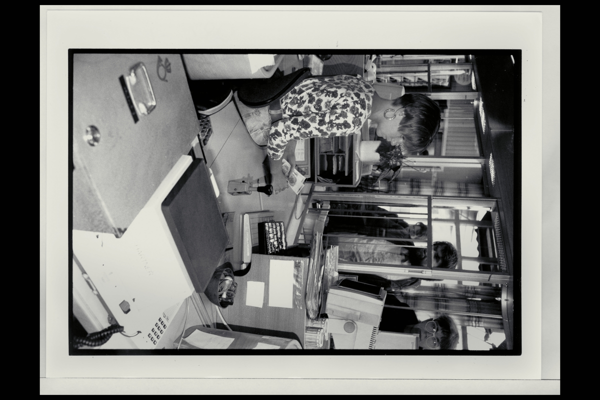 interiør, postkontor, 0135 Gamlebyen, ekspeditør, kunde, vekt, stempel