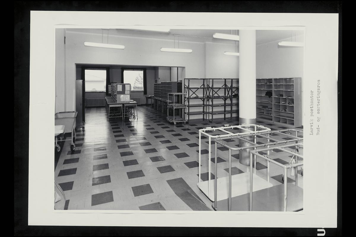interiør, postkontor, 3250 Larvik, sortering, budrom, sekkestativ