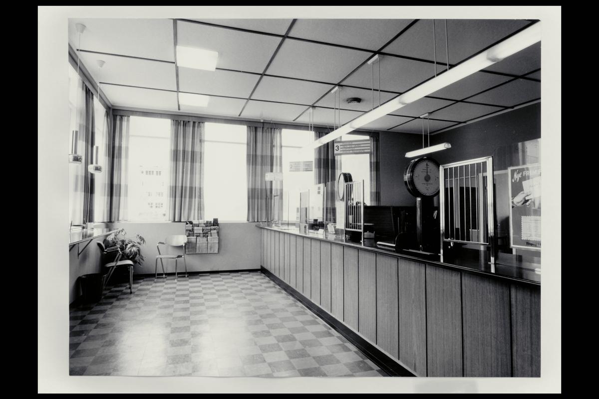 interiør, postkontor, 6200 Stranda, publikumshall, vekt