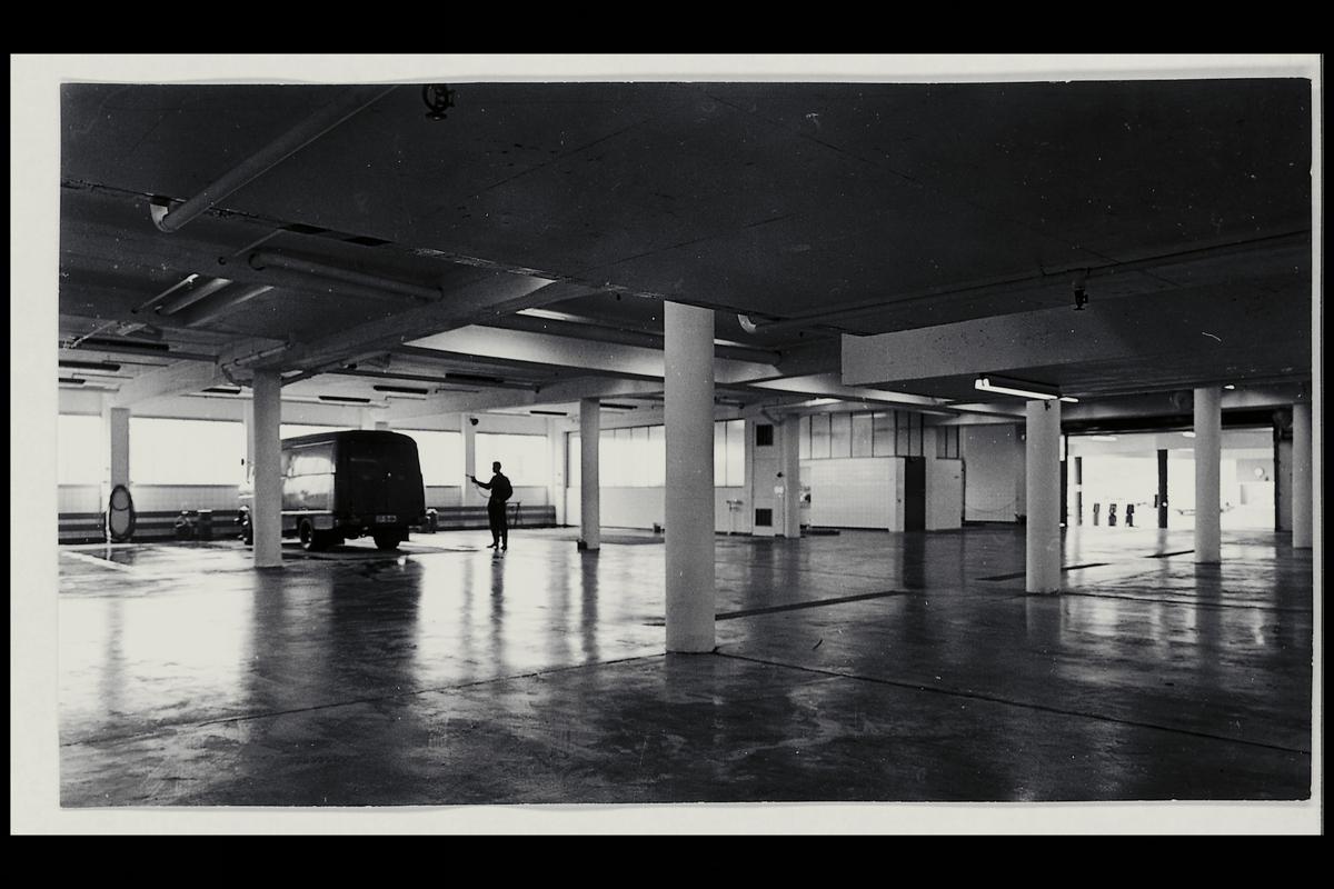 interiør, bilverksted, 0196 Konowsgate, bil, mann
