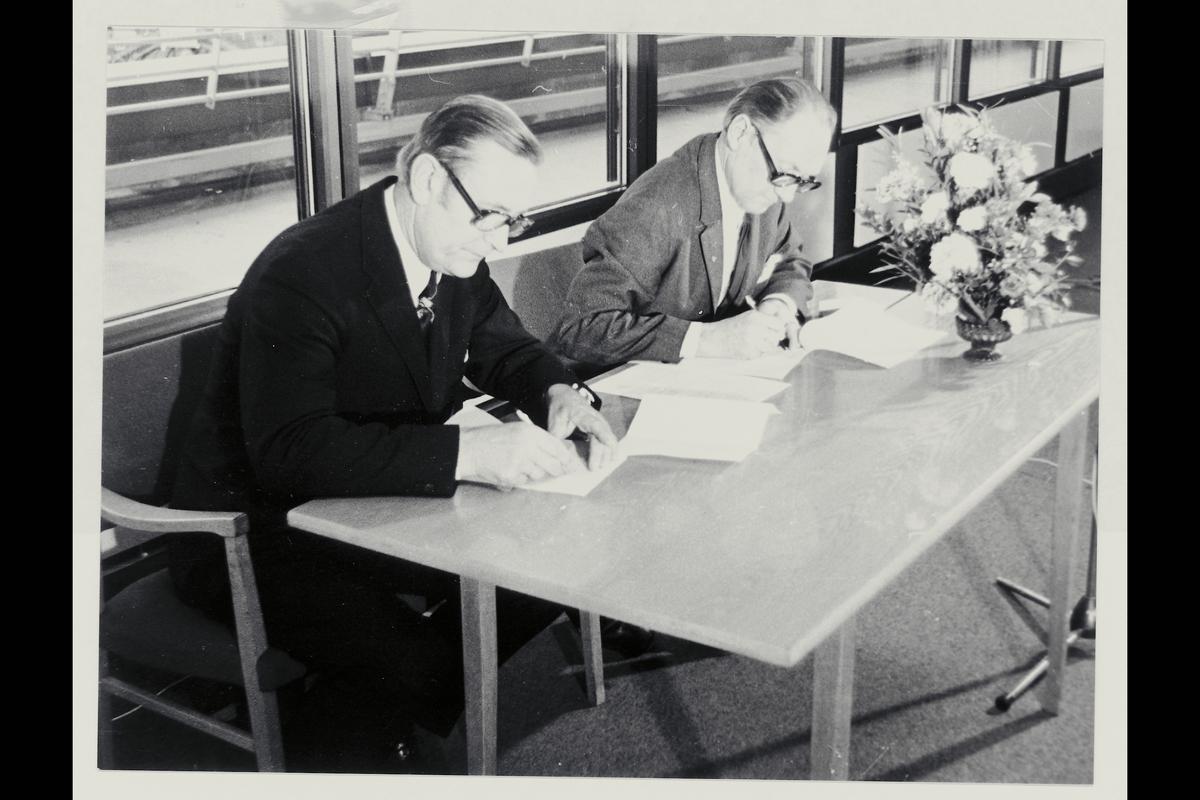 interiør, Oslo postterminal, postgiro, kontraktsinngåelse, Ragnvald Rustung Bru