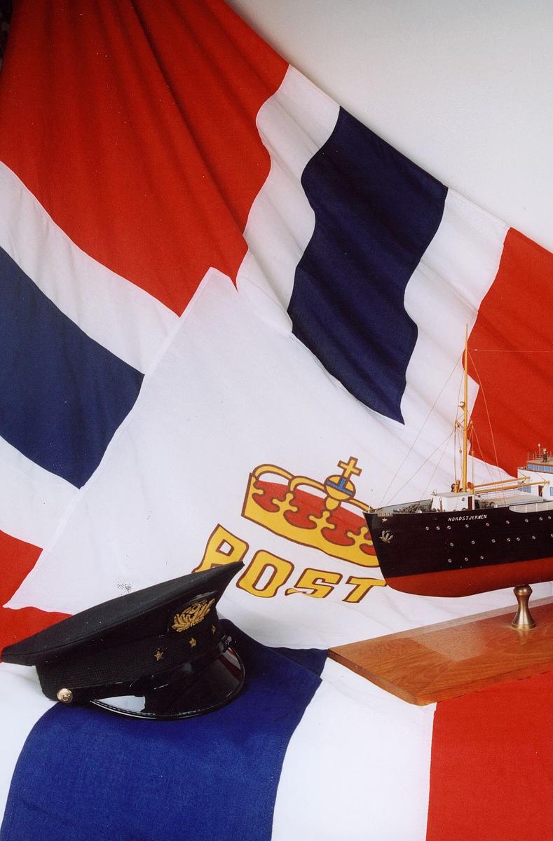 Postmuseet, gjenstander, postflagg, uniformslue, båtmodell, Nordstjernen.