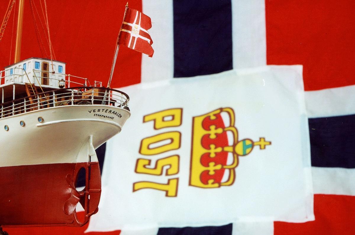 Postmuseet, gjenstander, postflagg, båtmodell, Vesteraalen.