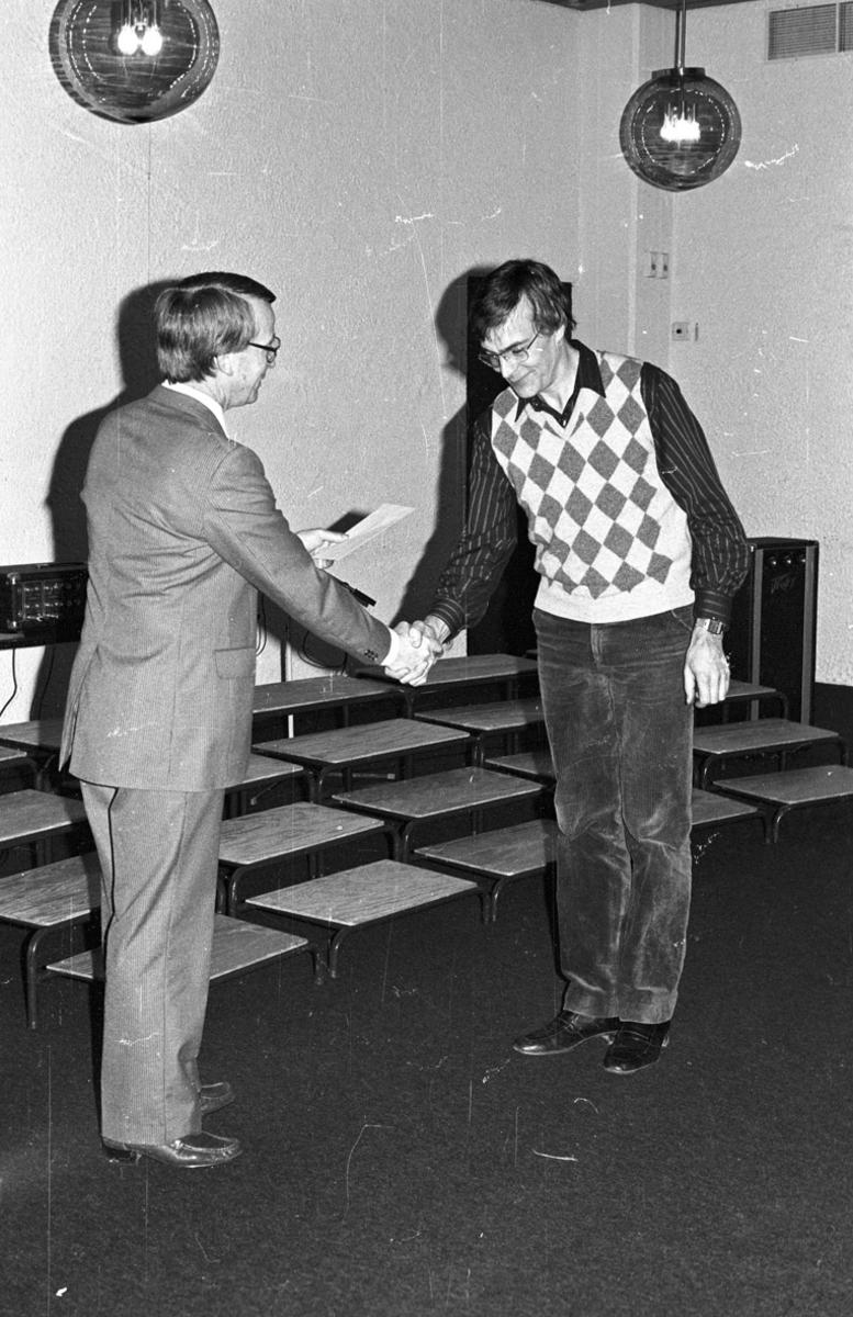Kulturstipend 1982 To voksne menn, utdeling