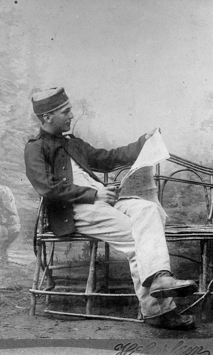 Hans Lindholt som avtjener sin verneplikt på Hønefoss.