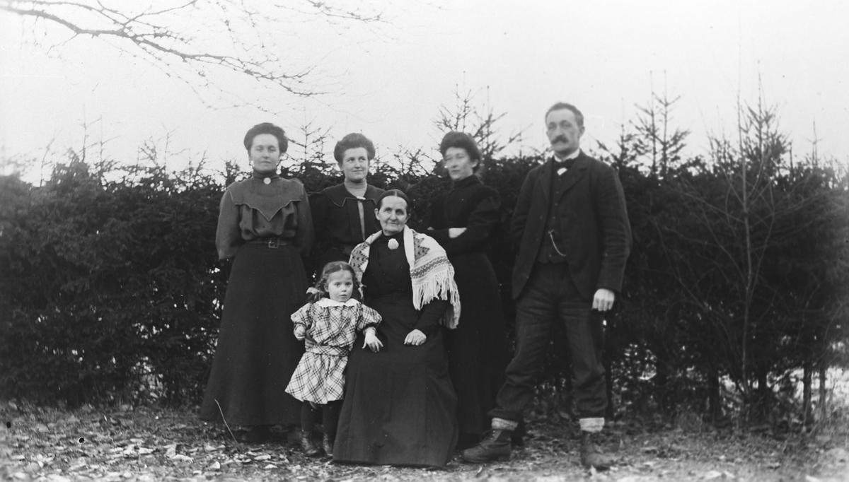 Deler av familien Jøndal