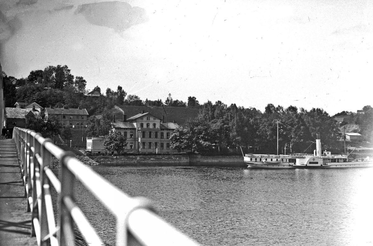 Skibladner ved Eidsvoll Stasjon