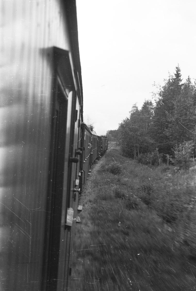 Tog 2051 retning Skulerud underveis fra Finstadbru til Aurskog.