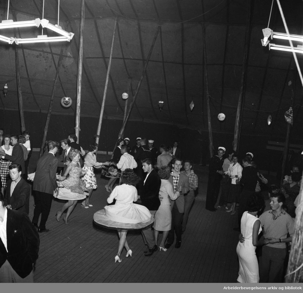 Rock-kåk på Kontraskjæret,.juli 1958