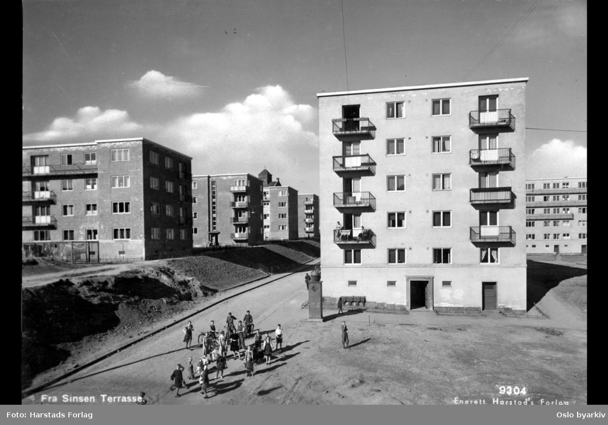 Bjørn Stallares vei, blokkbebyggelse, barn i lek