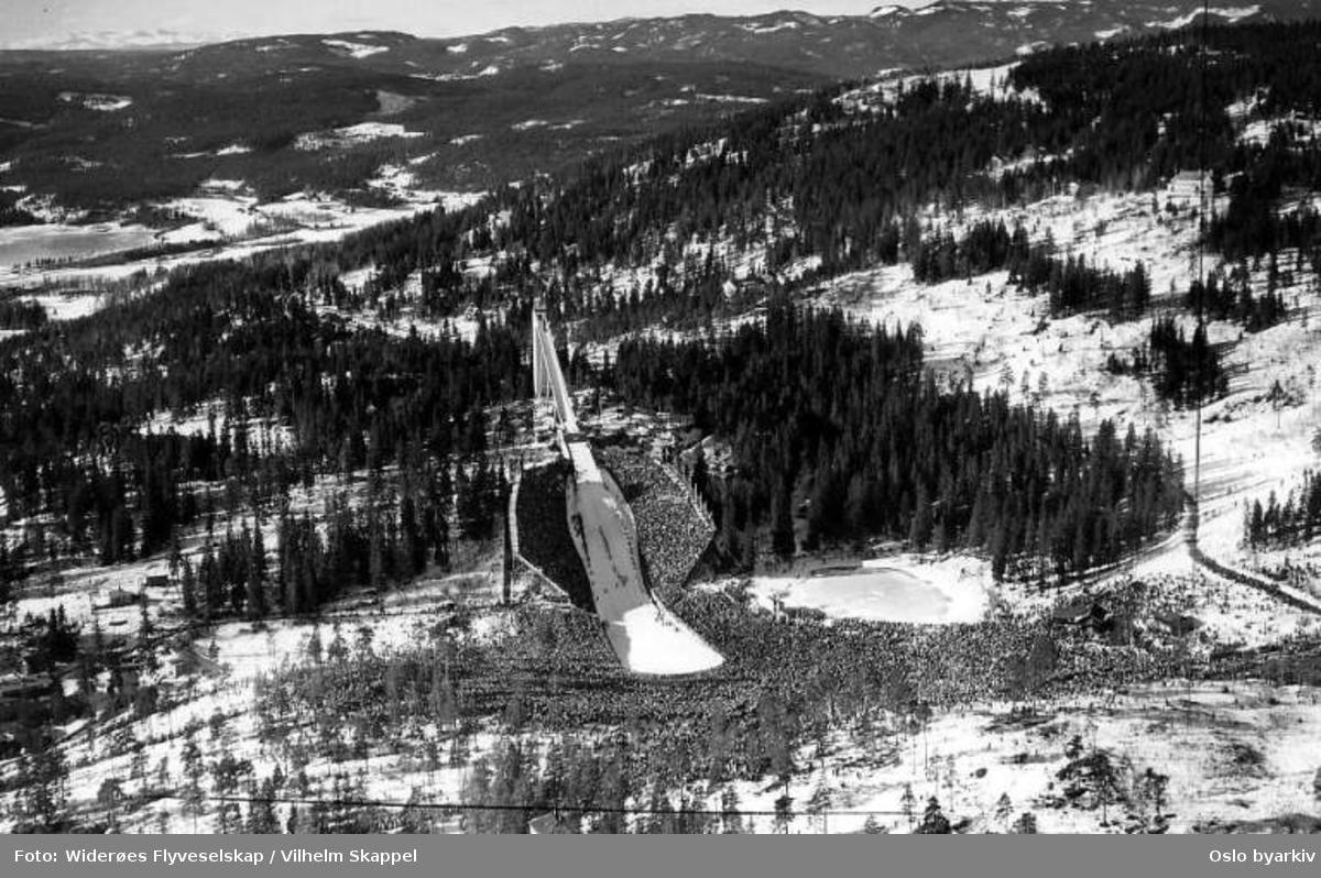 Holmenkollbakken (Flyfoto)