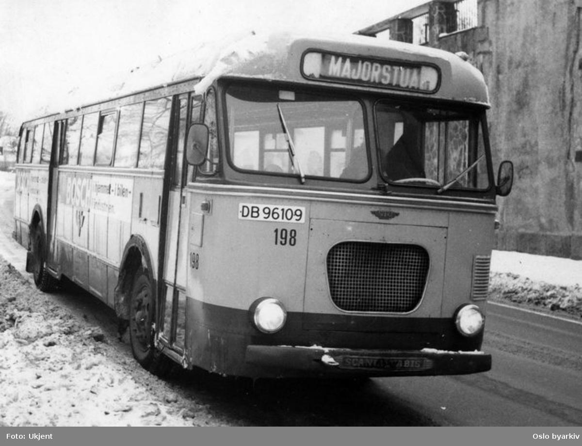 Buss av typen Scania Vabis 198, linje til Majorstuen.