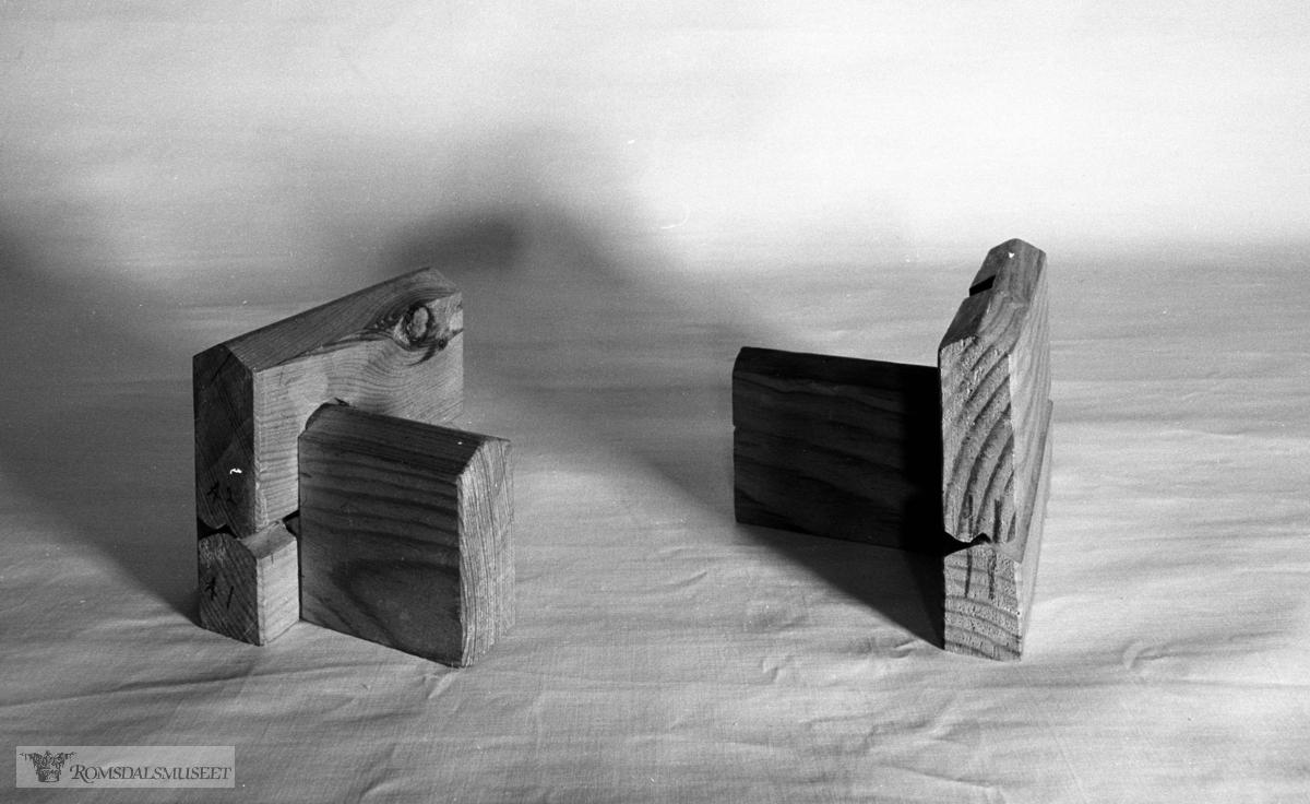 Bygningsdetaljer, Modeller. Modellene er laga av Knut Stokke, Kleive. F 1864 som eit ledd i ei hovedfagsoppgave som sonen, Løve Stokke, skreiv ved universitetet i Oslo 1937/38. Modellane vart utlånt til Romsdalsmuseet 1981-82 frå norsk ordbok. Oslo. Romsdalsmuseet har kopi av oppgåva hans.