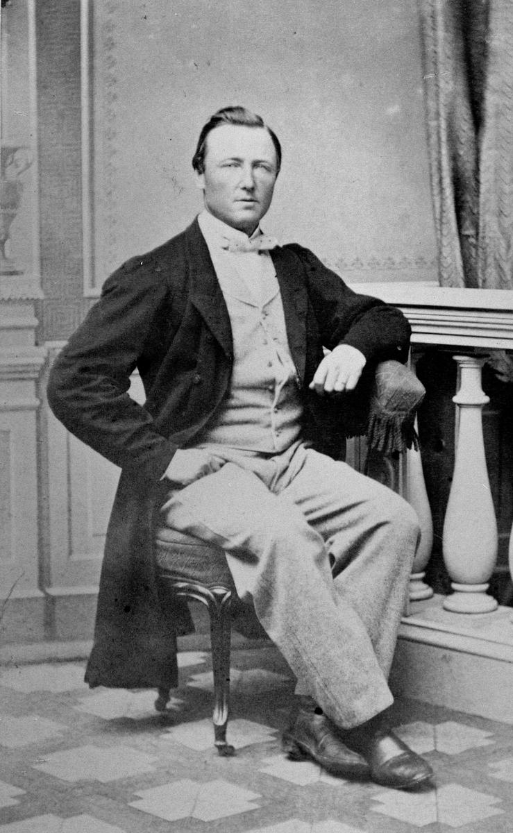 PORTR: MANN HÅKON KVÆKEN F: 1831-1890, BERG VESTRE, LØTEN