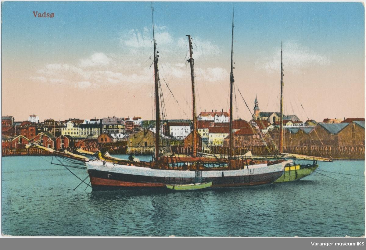 Postkort, Vadsø havn, pomorskute i forgrunnen, ca. 1900