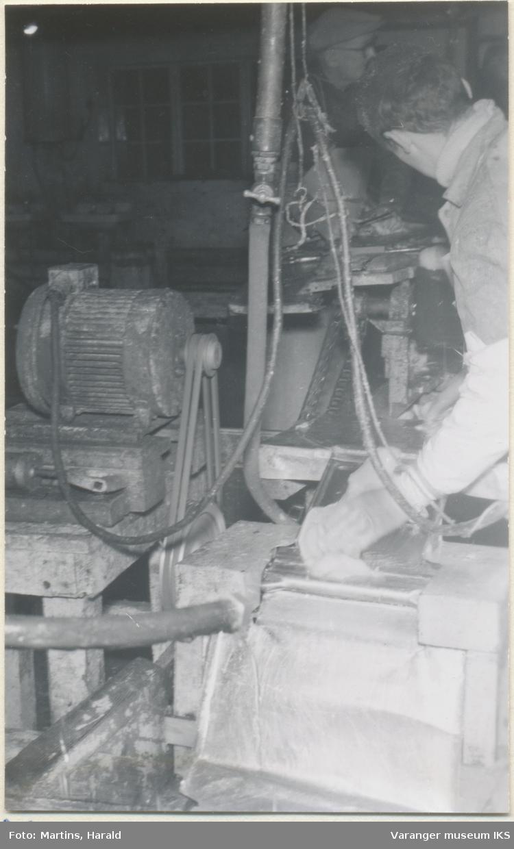 Filetene flås, filetfabrikken på Finotro, 25. januar 1956