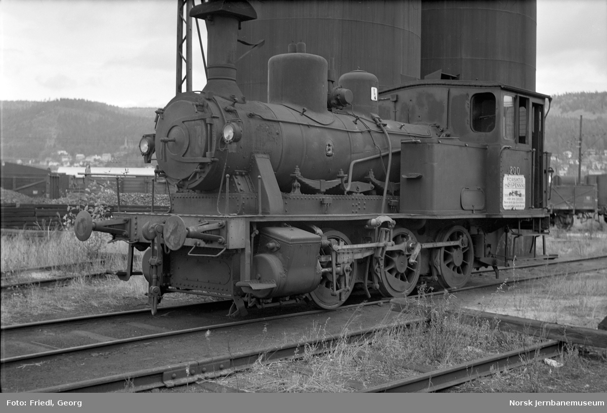 Damplokomotiv type 25a nr. 200 hensatt på Verkstedet Sundland før opphugging